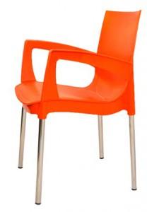Оранжевый пластиковый стул для кафе